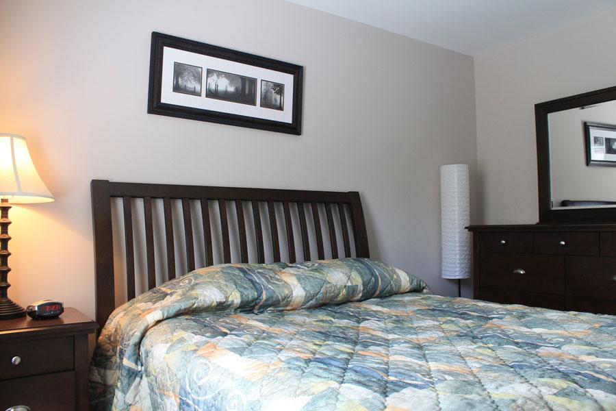 Crescent Centre Bedroom